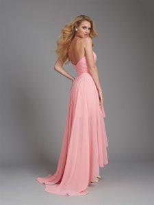 rózsaszín koszorúslány ruha hátulról